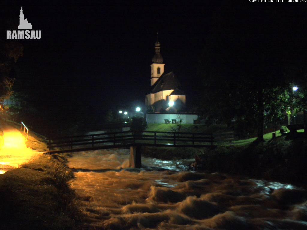 Webcam Skigebiet Ramsau - Hochschwarzeck Kirche - Oberbayern