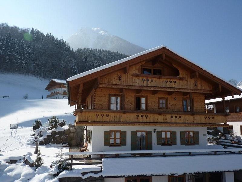 Haus Tirol im Winter