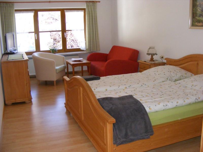 Doppelzimmer ohne Balkon, modernes Bad